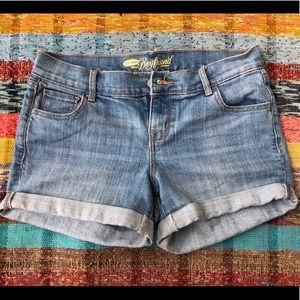 Boyfriend jean shorts
